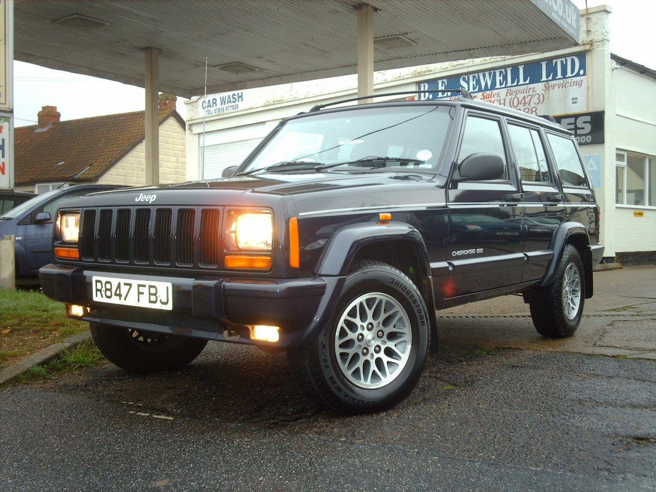 for sale jeep cherokee 4 0 limited automatic 4x4 a c sold sold sold. Black Bedroom Furniture Sets. Home Design Ideas